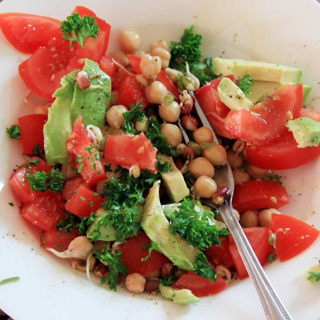 salade avocado tomaat