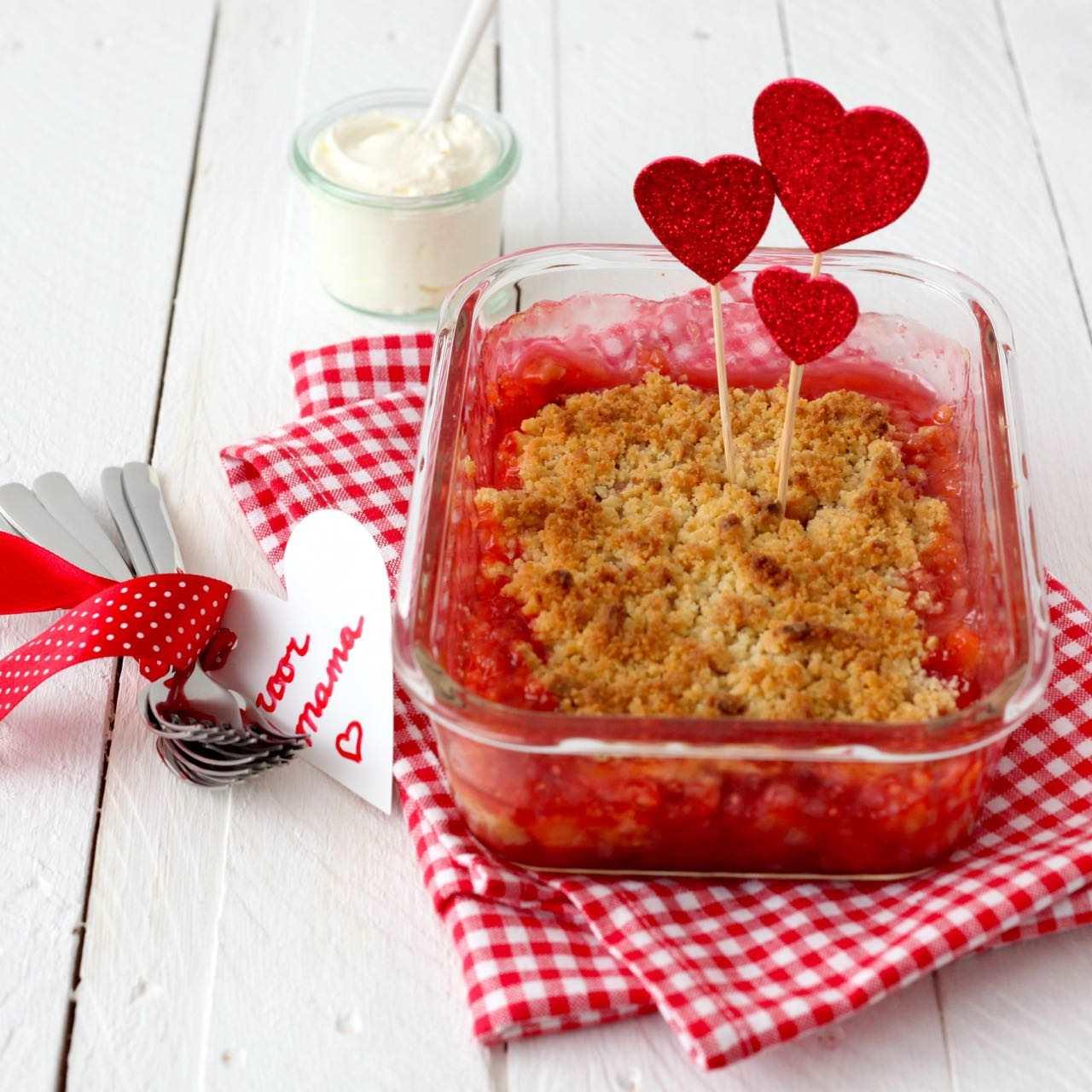 Rabarber-aardbeien crumble